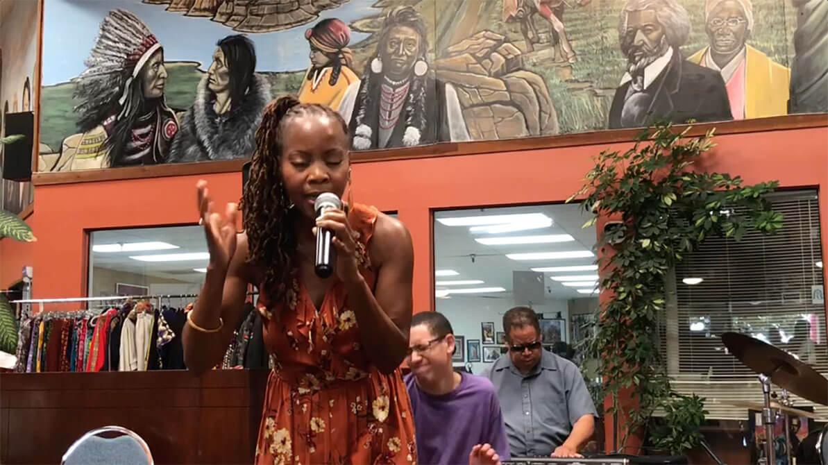 african marketplace 2019 - sabrina singing closeup 5