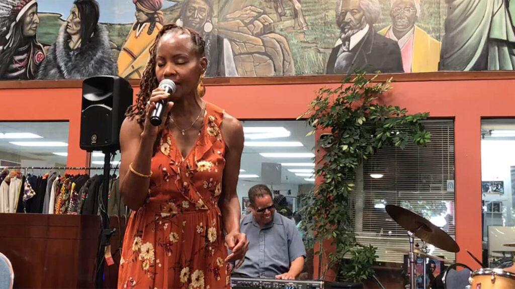 african marketplace 2019 - sabrina singing closeup 3