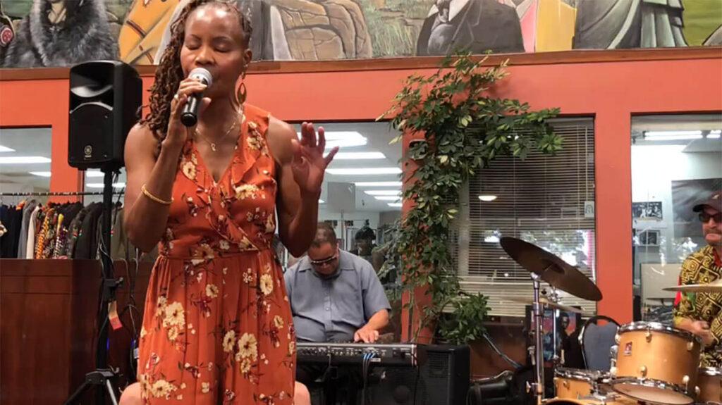 african marketplace 2019 - sabrina singing closeup2